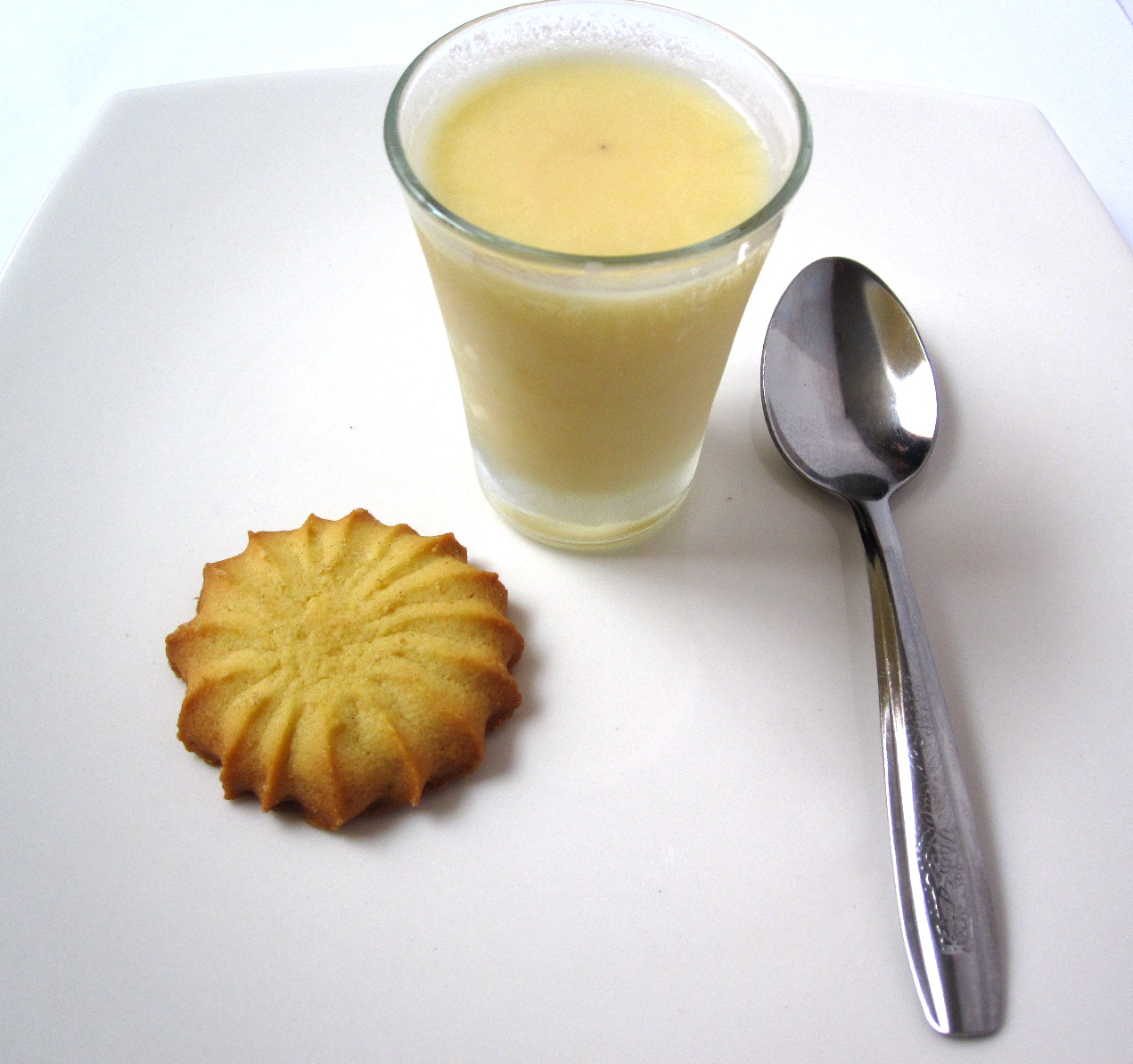 Passion Fruit Pudding / Pudín de Maracuyá | A Touch of RoJo